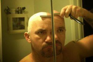 Бритье головы опасной бритвой