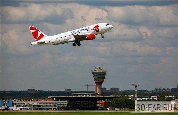 самолет взлетает фото