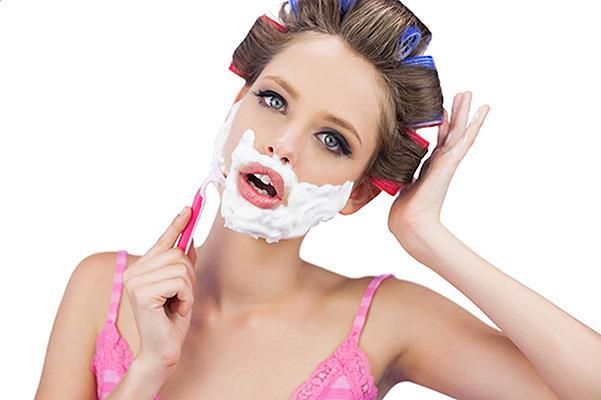 Бьюти-тренд: девушки бреют лицо