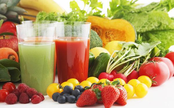 включение в меню свежих овощей и фруктов уменьшит риск проявления акне