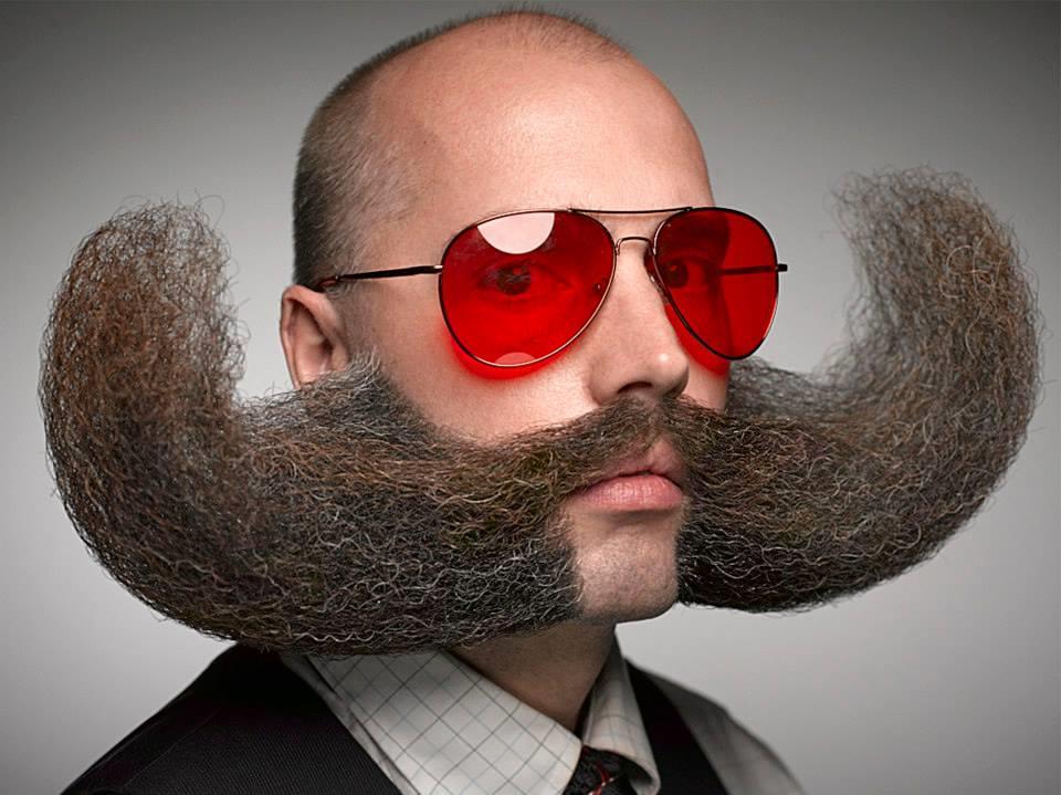Пример использования воска для бороды