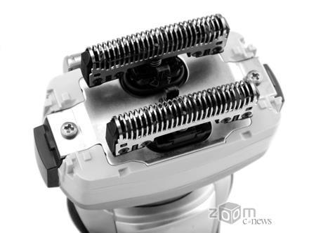 Для сеточных бритв немаловажна скорость, скоторой движутся лезвия. Нафото: система лезвий новой бритвы Panasonic ES8249