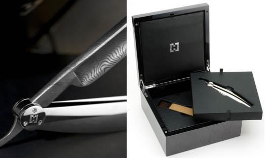 Бритва Damascene Razor продается в комплекте с чехлом в шкатулке редкой породы дерева
