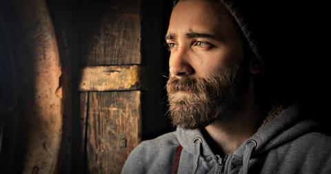плохо растет борода на щеках что делать