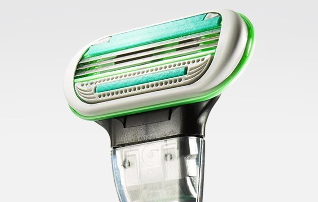 Компания Жиллетт выпустила первую мужскую бритву для тела Gillette Body Razor
