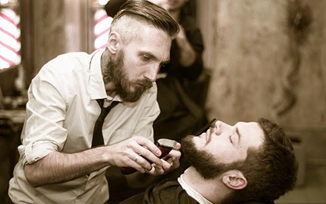 профессиональная стрижка бороды