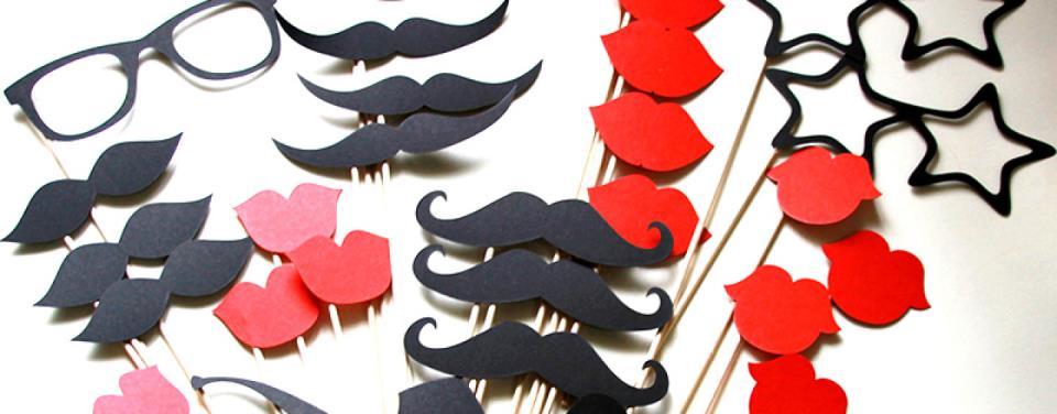 Веселая фотосессия на празднике: бороды, очки, губки и усы на палочке (распечатать на А4)