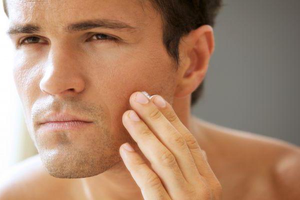 Использование скраба для усиления роста волос на лице