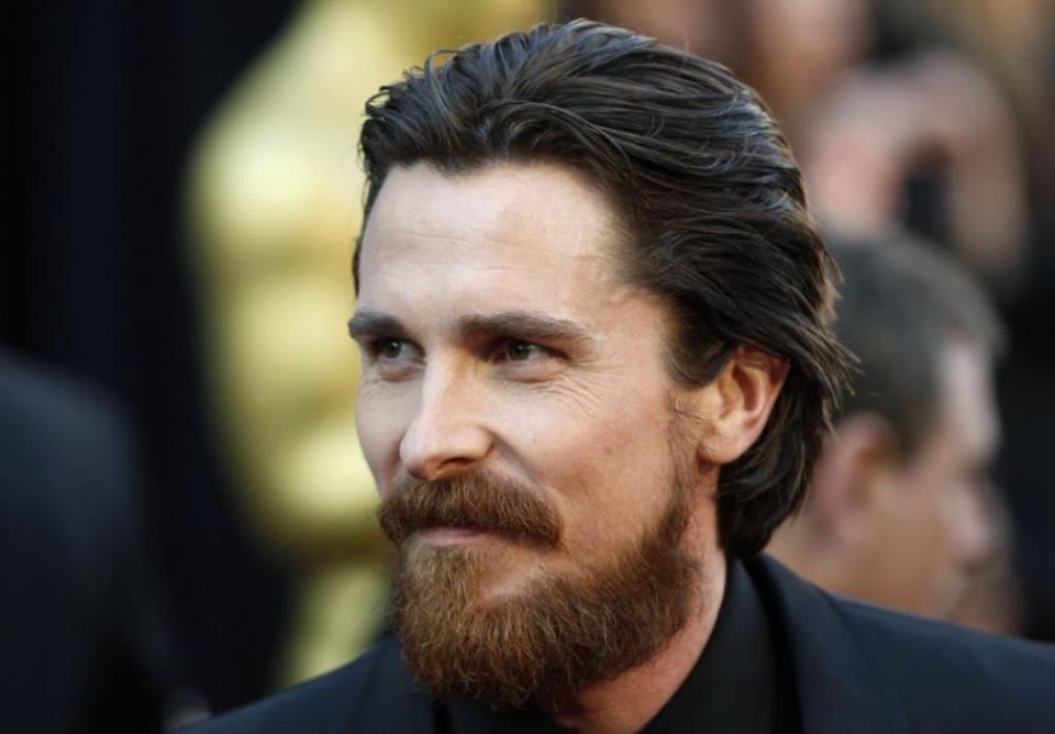За бородой мужчинам следует тщательно ухаживать